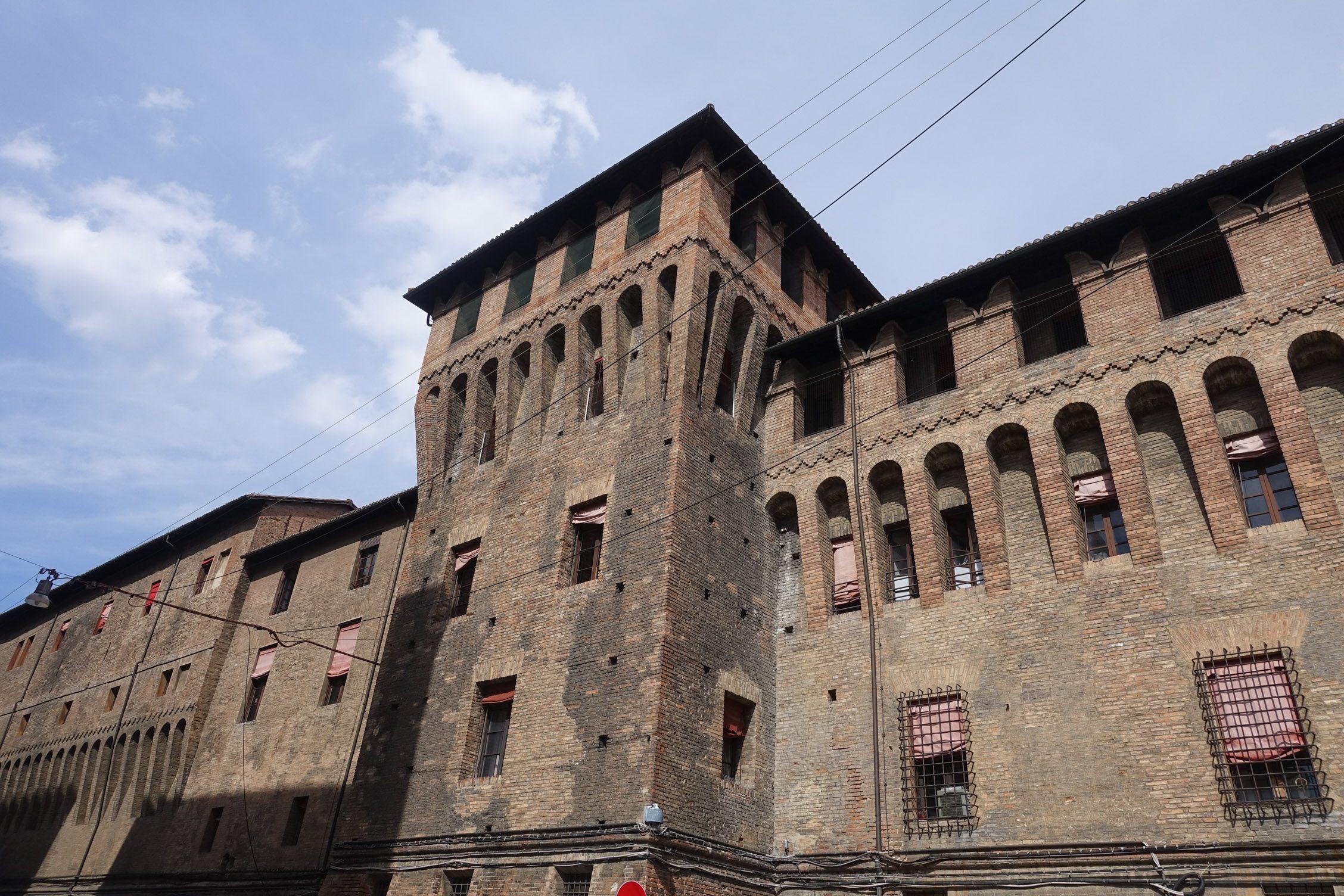 middeleeuwse gebouwen in het centrum van Bologna