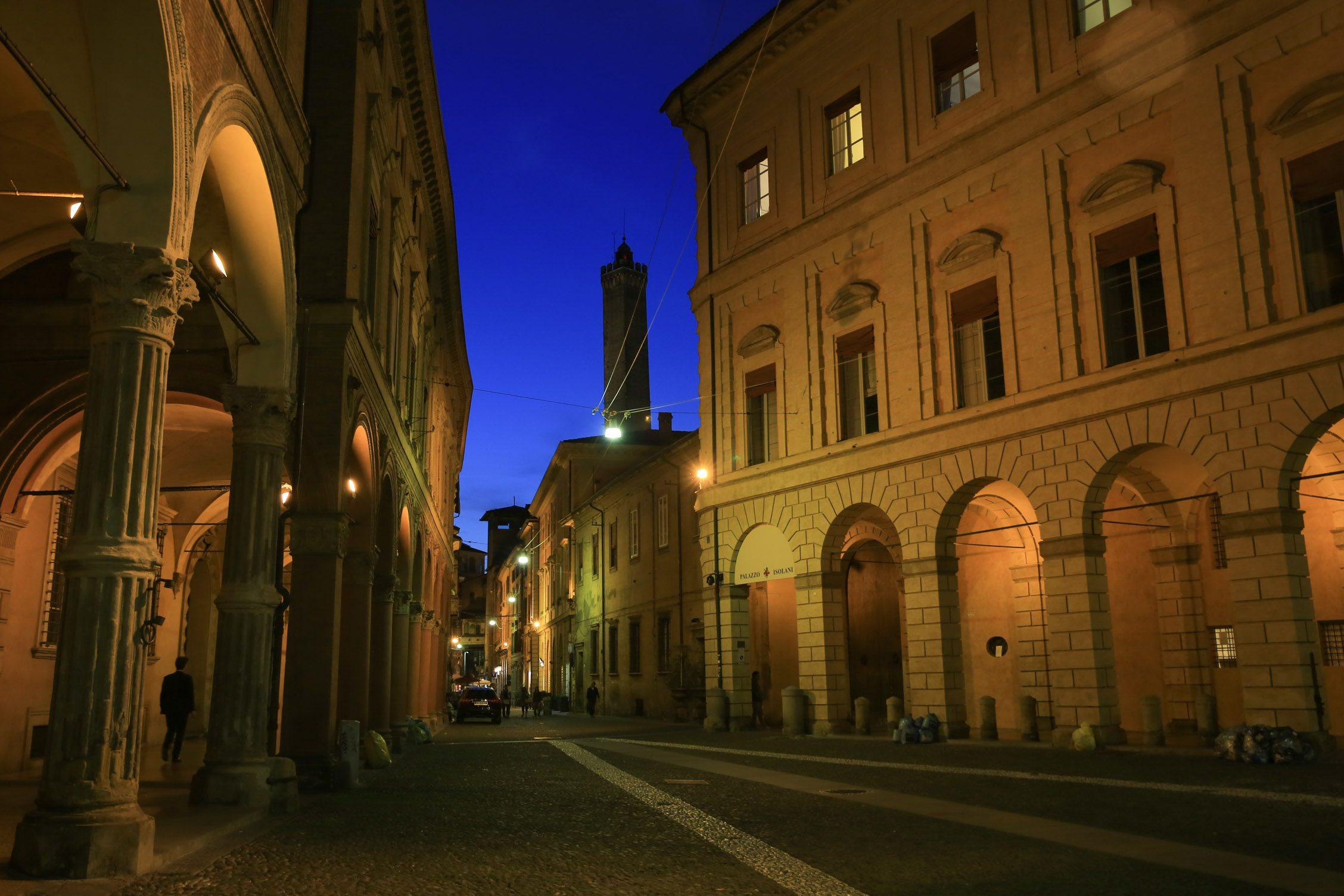 de andere kant van Piazza San Stefano