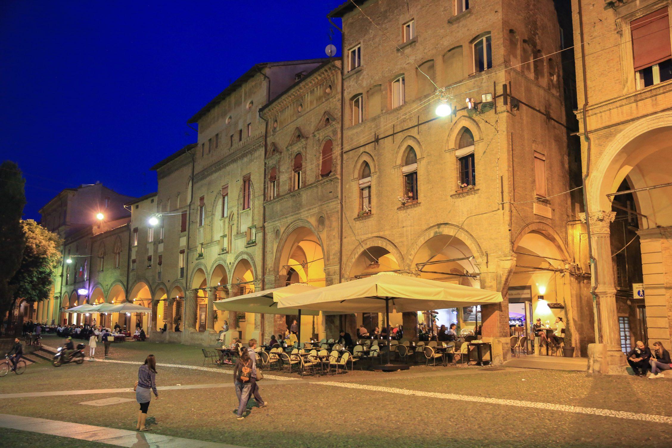 Piazzo San Stefano in de avond